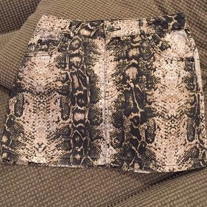 Top shops snake print skirt